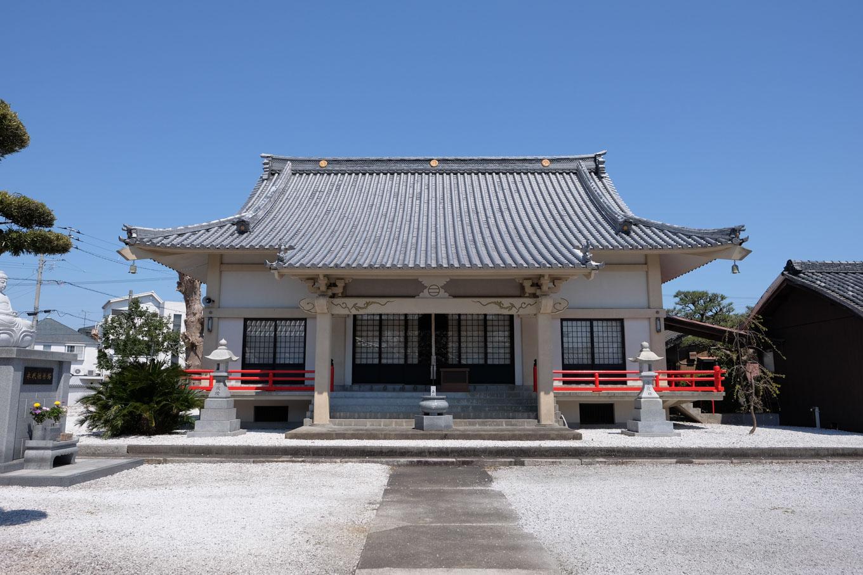 西光寺本堂。